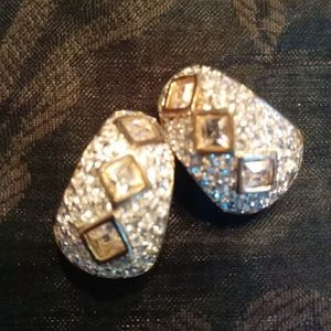 Jewelry - FINAL PRICE Vintage Clip On Sparkly Earrings